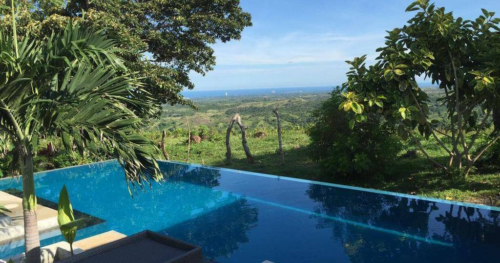 holiday reservations in Las Lajas